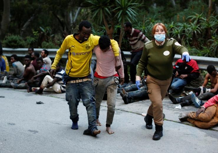 Sajad migrandid murdsid Marokost Hispaania enklaavi Ceutasse
