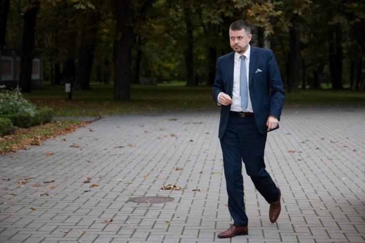 Reinsalu: ohtlike isikute pääs riigivõimu juurde tuleb tõkestada