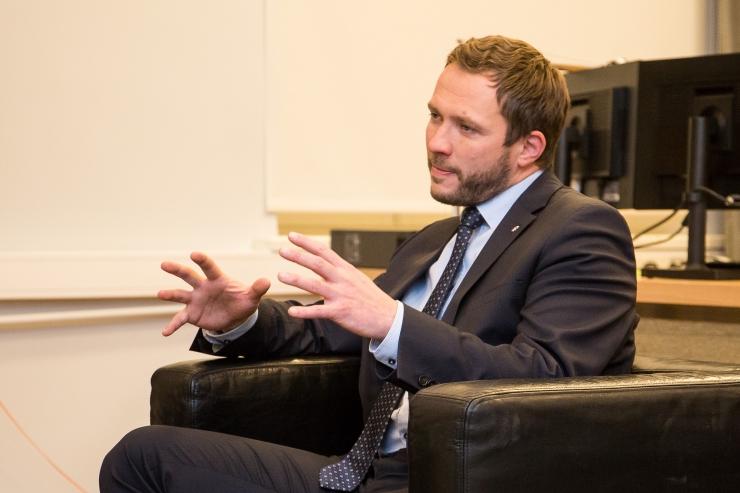 Tsahkna arutas Ühendemiraatide kaitseministriga koostööd küberkaitses