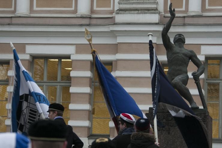 Linnajuhid tähistasid Eesti Vabariigi sünnipäeva Reaalkooli Poisi juures
