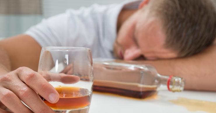 Uuring: viiendik patsientidest tarvitab palju alkoholi