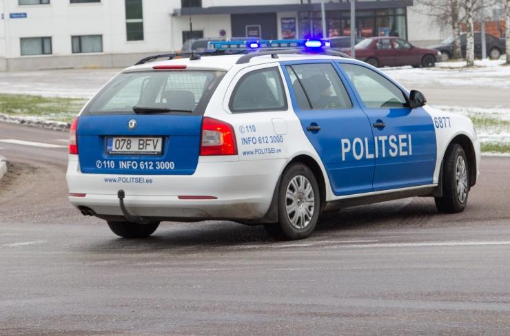 Politseinikul lasub süüdistus alaealiste ründamises