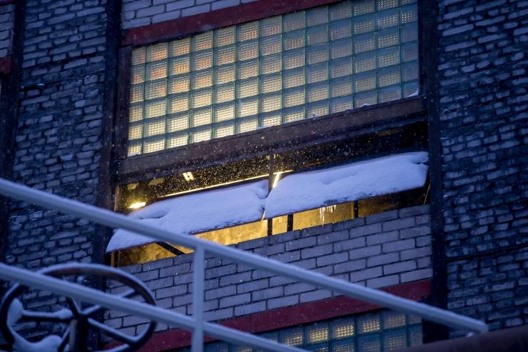 Tallinnas leiti mahajäetud hoonest surnukeha, kahtlustatakse tapmist