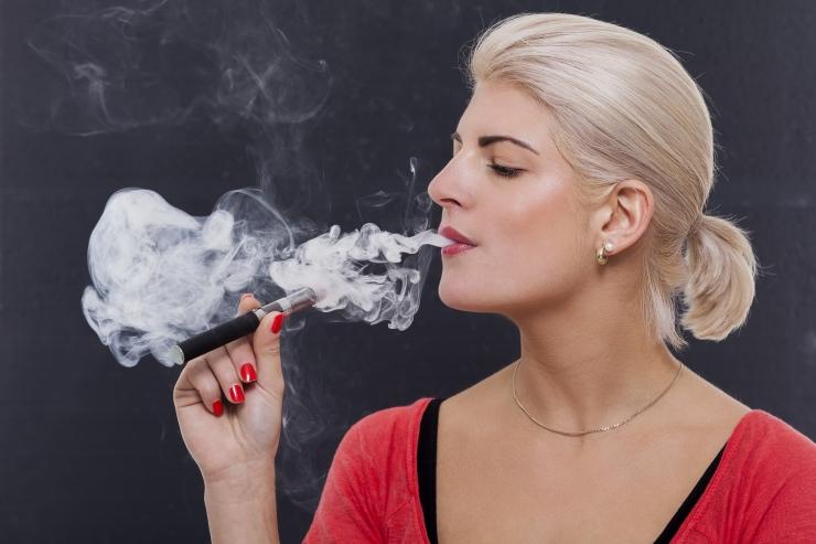 E-sigarettide pooldajad andsid üle petitsiooni 5000 allkirjaga
