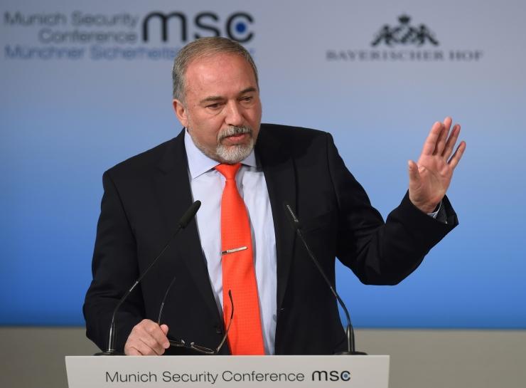 Iisrael ähvardab hävitada Süüria õhutõrjesüsteemid