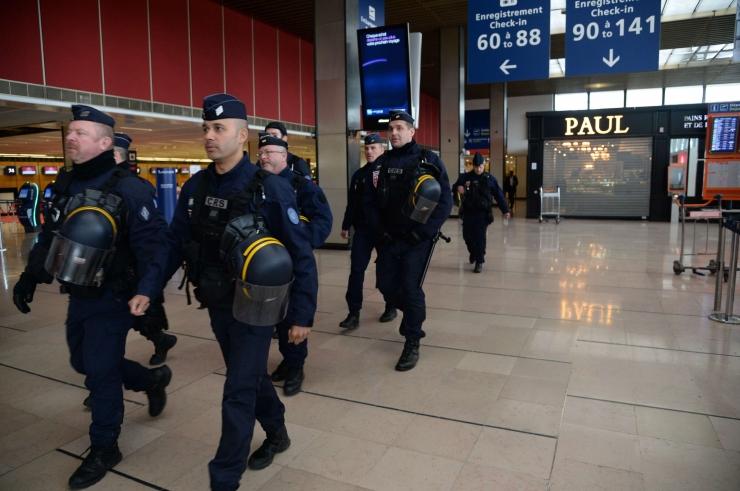 Pariisi lennujaama rünnanud mees oli alkoholi- ja narkojoobes