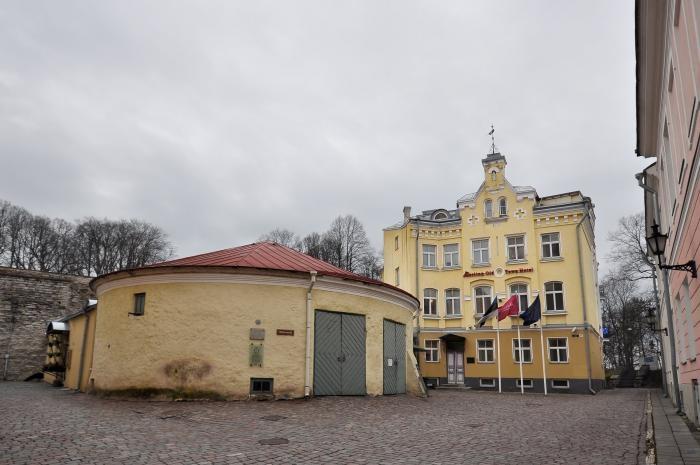 """Linnateatri lavastus """"Köster"""" läheb Eesti ringreisile ja Hobuveskis algavad restaureerimistööd"""