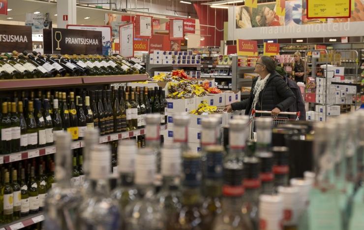 Alkoholipoliitika karmistamine läbis riigikogus esimese lugemise