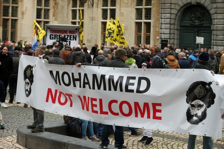 Antwerpenis vahistati rahvahulka rammida üritanud mees