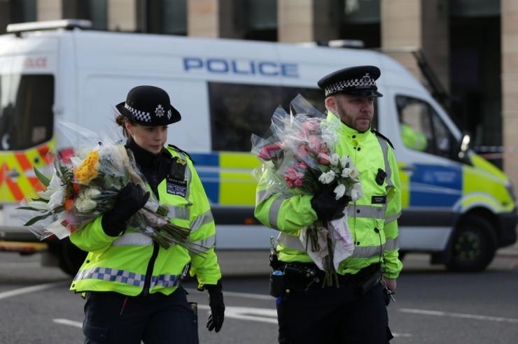 BBC: Briti politsei tegi terrorirünnaku uurimisel läbiotsimisi Walesis