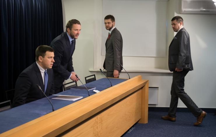 Ministeeriumid kolivad osad töökohad Tallinnas välja