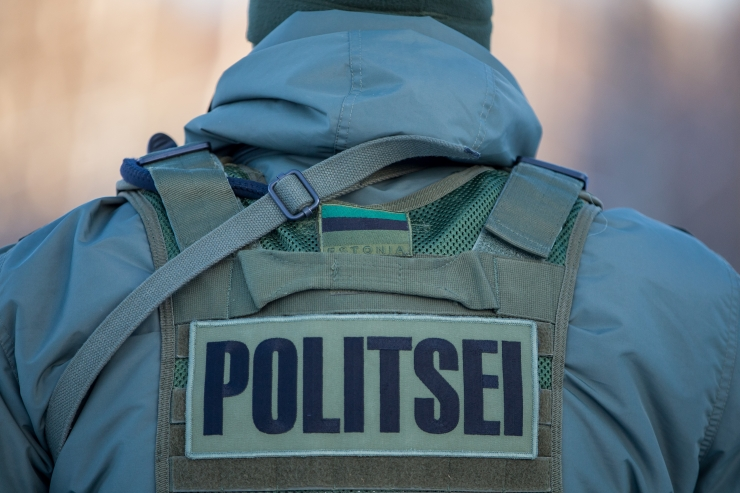 Politseinikul lasub liigse vägivalla kasutamise süüdistus