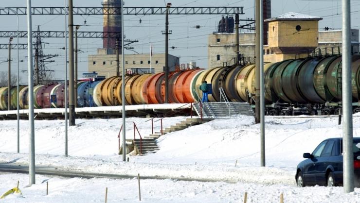 Raudtee komisjon kontrollib keemiareostuse põhjustanud rongi