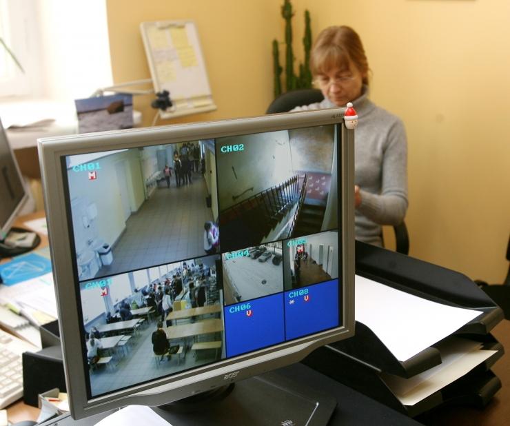 Piirkonnapolitseinik: valvekaamera aitab peletada nii jalgrattavargaid kui ka vandaale