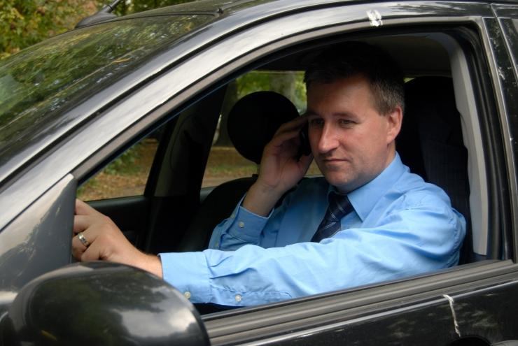 Liikluskaamerad võivad hakata fikseerima juhtide mobiilikasutamist