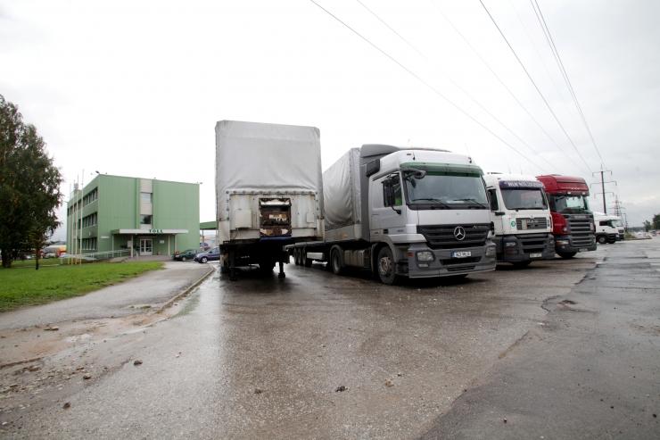 Valitsus kiitis heaks ajapõhise teemaksu kehtestamise veoautodele