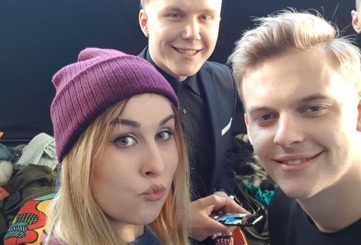 FOTOD! Kristel Aaslaid, Jüri Pootsmann ja teised staarid uudistasid uut nutitelefoni
