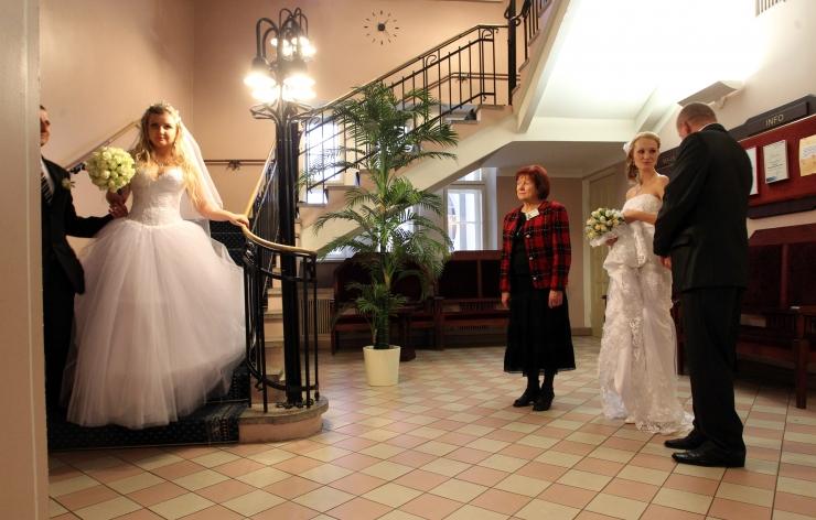 Tallinna perekonnaseisuamet kutsub rääkima armastusest