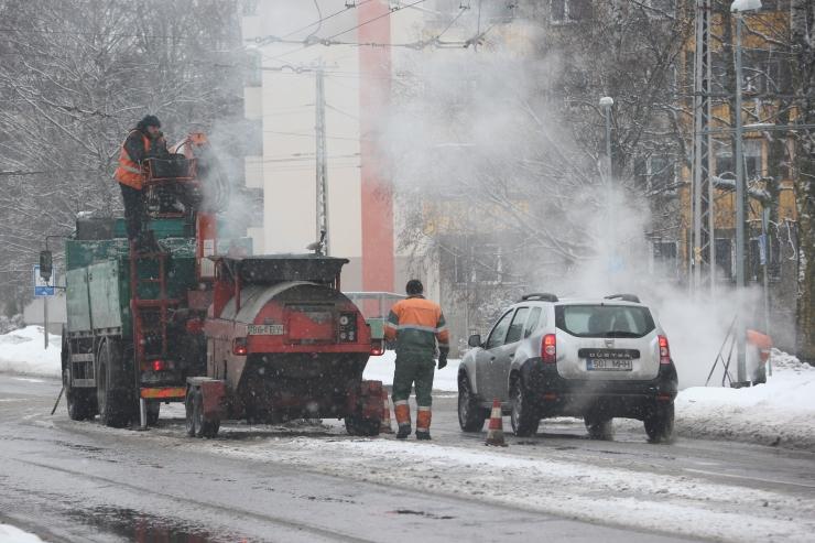 Nädalavahetustel remonditakse intensiivsema liiklusega tänavaid