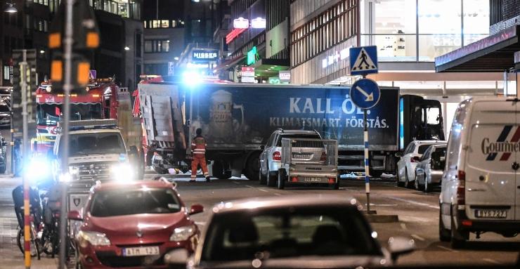 Stockholmi rünnakuautost leiti pommikott