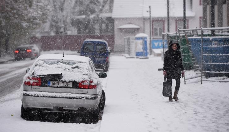Ootamatu lumi kasvatab liikluskahjude arvu
