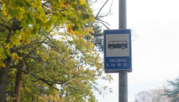 Tallinna 33 liini buss hakkab taas Valdeku tänaval sõitma