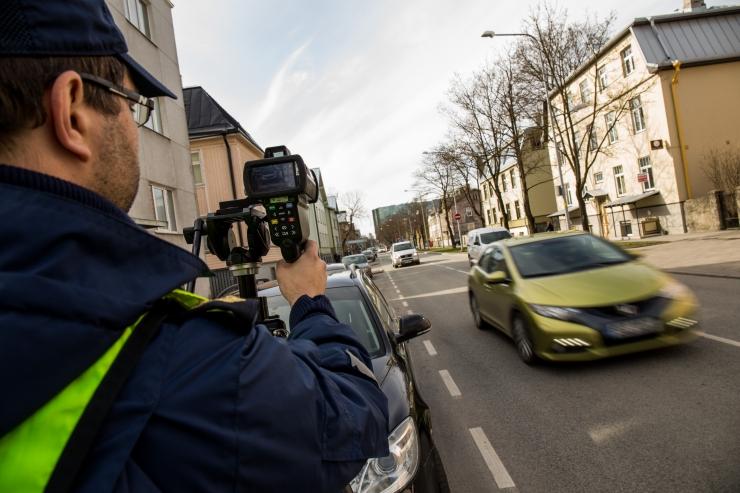 Politsei tabas liiklustalgutel ligi 175 kiiruseületajat