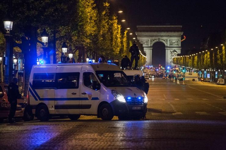 Allikas: Pariisi tulistaja surnukeha juurest leiti IS-i ülistav kiri