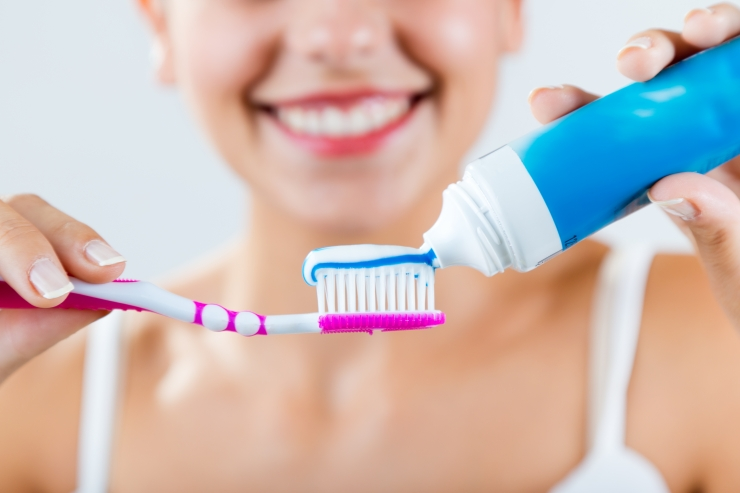 Suuhügienisti 7 näpunäidet, kuidas kodustes tingimustes hoida hambaid valgetena