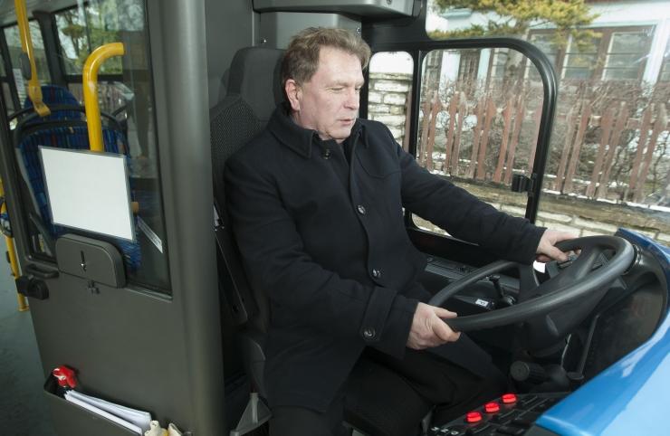 Riigikantselei: isejuhtivad bussid jõuavad juuliks Tallinna tänavatele