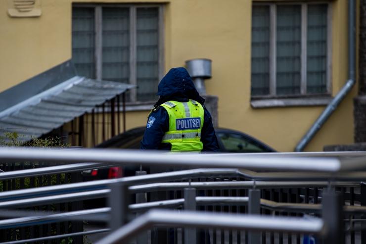 Tüli lahendama läinud politseinikud sattusid rünnaku alla