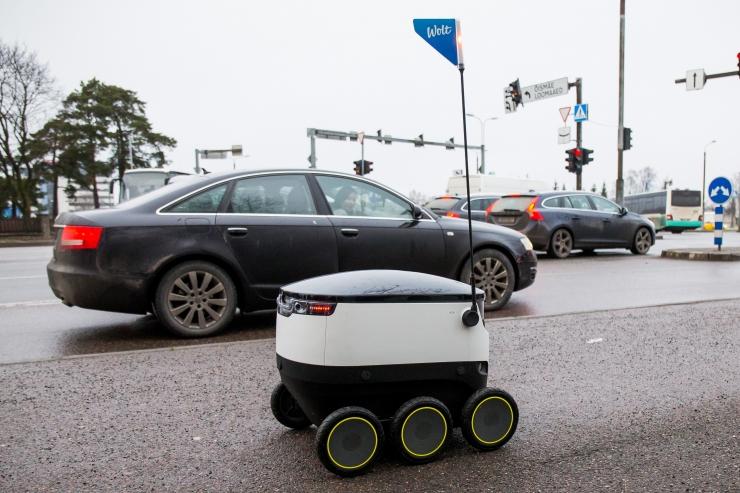 Tehnoloogia kiire areng toob liiklusseadusesse robotliikurid