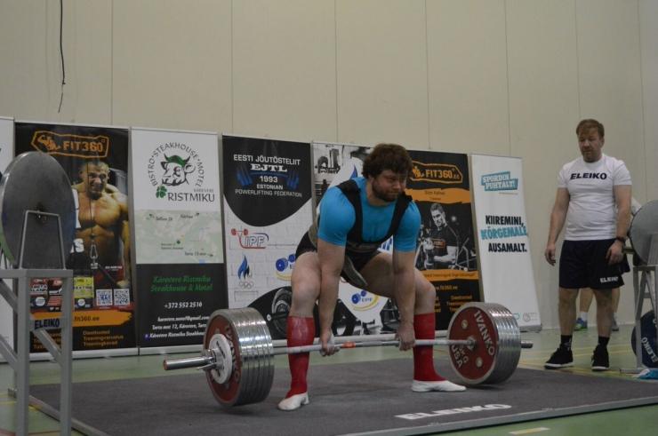 Elar Kraav saavutas Eesti meistrivõistlustel jõutõstmises esikoha