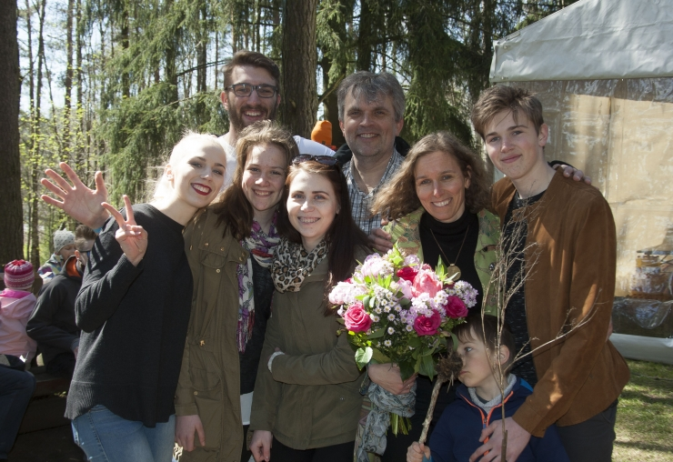 FOTOD! Loomaaias peeti perepäeva ja valiti välja aasta suurpere