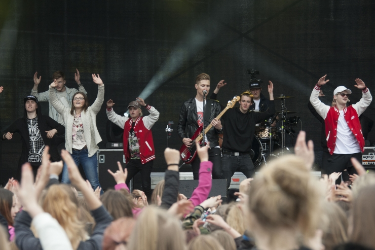 FOTOD! Eesti youtuberid panid inimesed koos tantsima