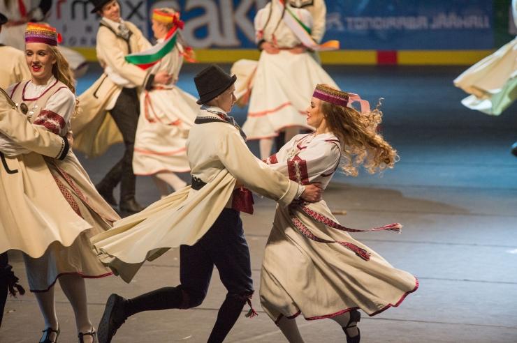 HIIGELGALERII JA VIDEO! Esimene Tallinna tantsupidu tõi kokku üle 1600 tantsija