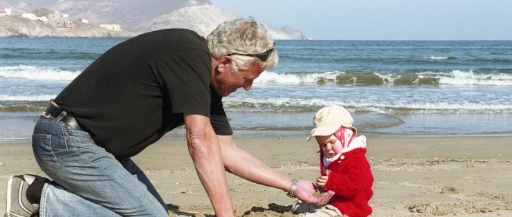 Nutikas idee: vanavanemad võiks lastelaste hoidmise eest riigilt palka saada