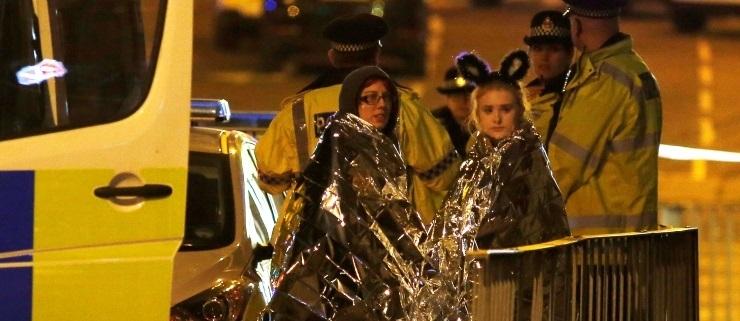 Manchesteris sai Ariana Grande kontserdil plahvatuses surma vähemalt 22 inimest