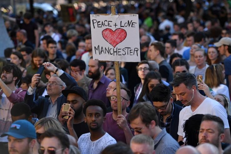 Briti siseminister: Manchesteri ründajal oli tõenäoliselt abilisi