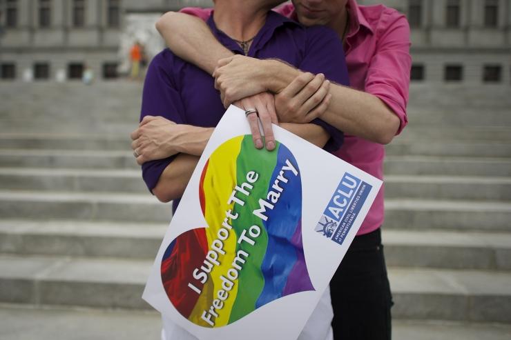 Taiwani kohus seadustas samasooliste abielu