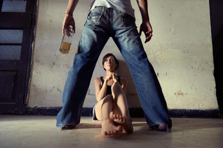 Valitsus teeb naistevastase vägivallaga võitlemisest riikliku eesmärgi