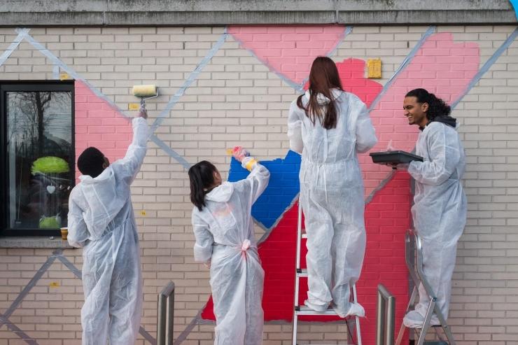 """""""Let's Colour!"""" suur rõõmus värvimise päev Tallinna Lauluväljakul ootab noori värvima!"""