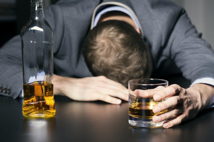 Neljandik eestimaalasi ei saa aru, et joovad alkoholi liiga palju
