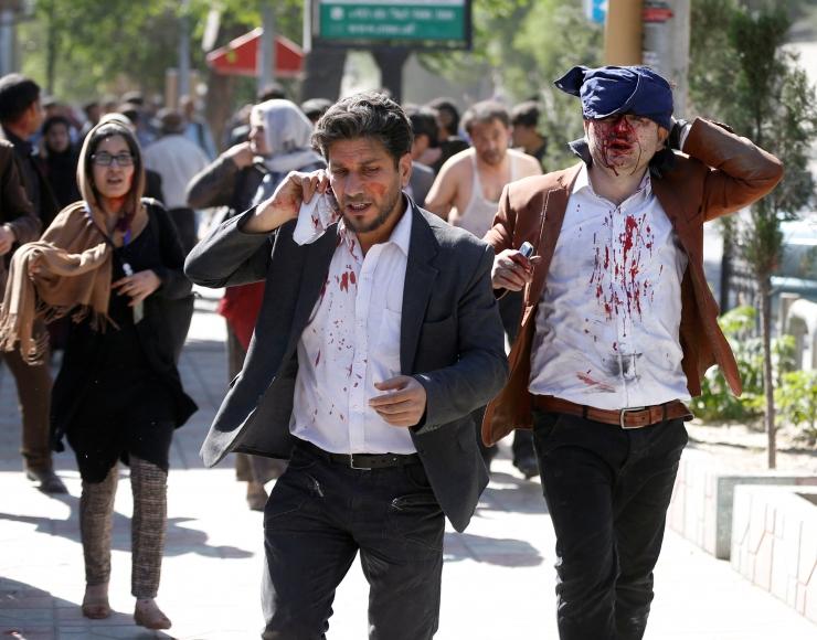 Kabuli autopommirünnakus hukkus 90 ja sai viga üle 400 inimese