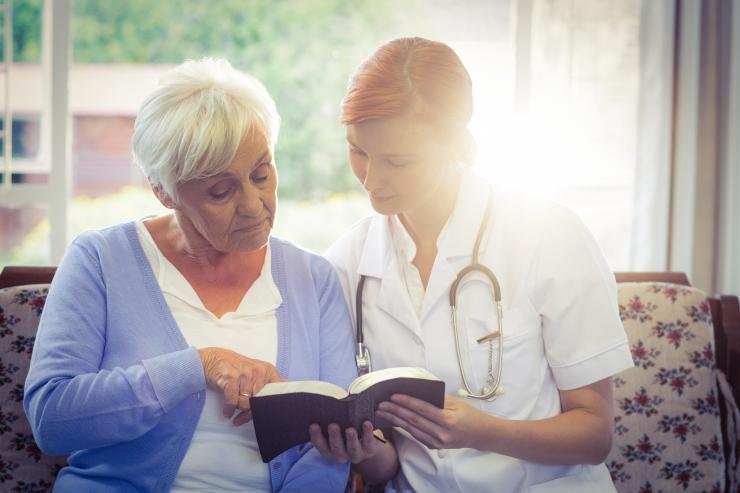 Niine kliinikut kontrollinud haigekassa töötaja ja kliinikut juhtiv arst on vanad tuttavad