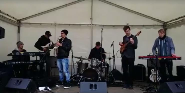 VIDEO: Otsa kooli noored geeniused ühendasid baroki ja roki