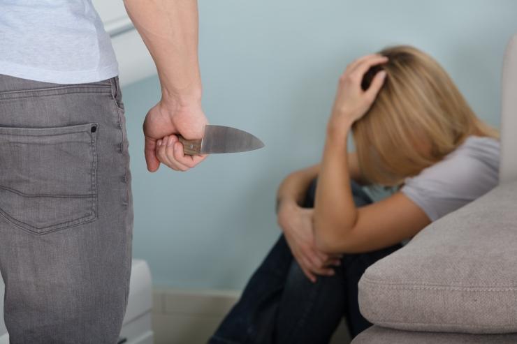 Õiguskomisjon saatis perevägivalla vastase eelnõu esimesele lugemisele