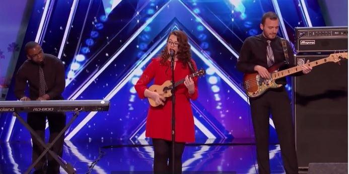 TÕELINE TALENT: Kurt naine laulab ja kirjutab muusikat
