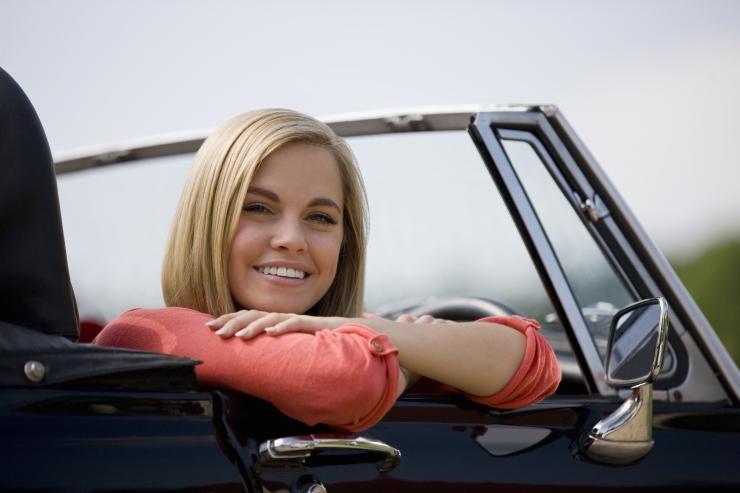 Kindlustaja: liiklejad alahindavad suvise autosõidu riske