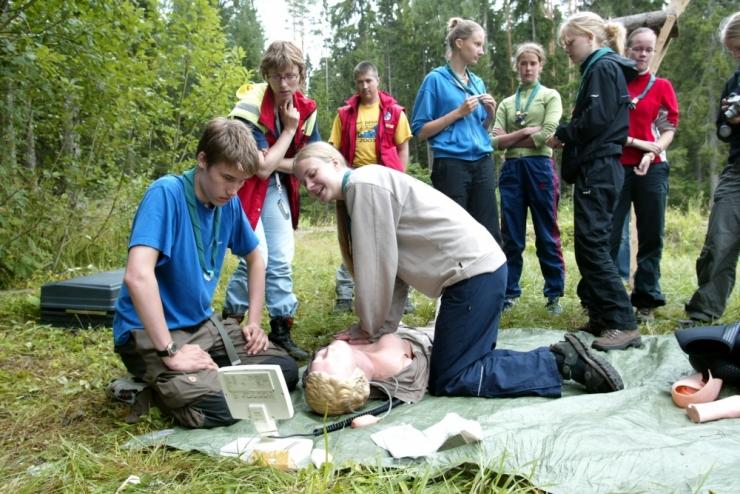 Skautide Ühing avab sünnipäeva puhul Tallinnas skaudikeskuse